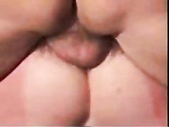 Жёсткий любительский секс хардкор со зрелой женой снят крупным планом