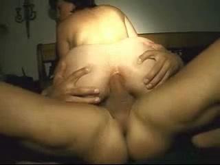 Фигуристая дамочка для анального секса вызвала мускулистого любовника