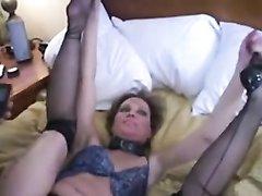 Негр любительский секс с белой леди завершает окончанием внутрь зрелой киски