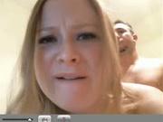 Молодая жена уговорила соседа на домашний секс с минетом и окончанием внутрь