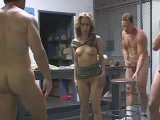 Порно молодая с мужем и другом, голые девки города краснодара
