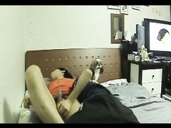 Японская любовница в домашнем видео со скрытой камеры скачет на члене после минета