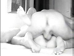 Жаркое домашнее видео озабоченной парочки поймала в кадр скрытая камера
