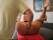 Мастурбация секс игрушкой и анальный фистинг привели зрелую блондинку к сквиртингу