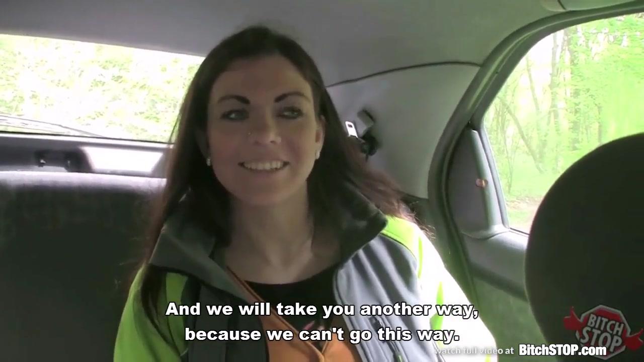 Рыжая чешская пассажирка поехала на природу для любительского секса с таксистом