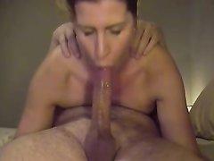 В 69 позе зрелая развратница наслаждается оральным сексом с любовником