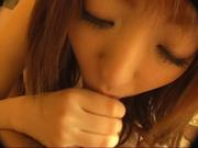 Рыжая японка в любительском видео сосёт член азиата и становится в позу