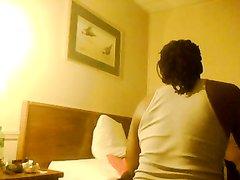 Пышная женщина перед скрытой камерой наслаждается сексом с любовником