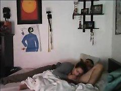 Любительский секс зрелой дамы с большой попой снимает вебкамера в спальне