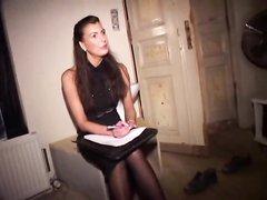 Зрелая немка в чулках в домашнем анальном видео подставила красивую попу