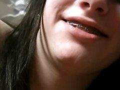 Грудастая молодуха в домашнем видео подставила сладкую киску для твёрдого члена