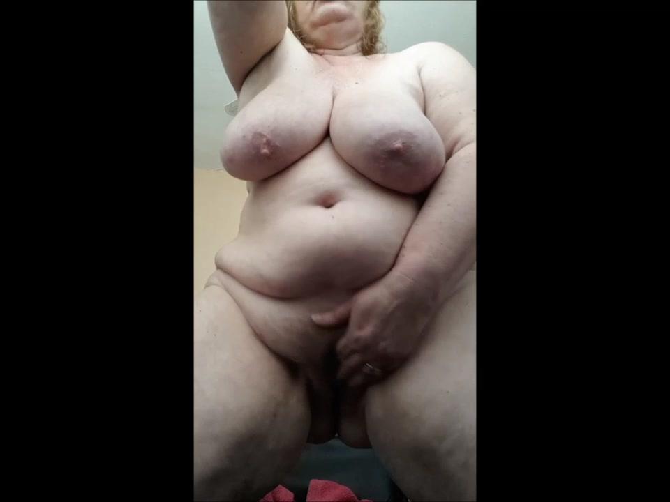 Смотреть как толстозадая девушка снимает стринги видео — img 10