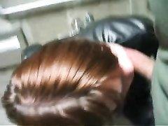 Рыжая проститутка в видео от первого лица сделала любительский минет для буккакэ