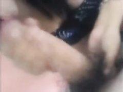 Молодая латинская брюнетка делает домашний минет от первого лица для видео
