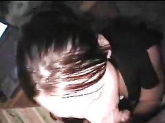 Домашний минет с глубокой глоткой от первого лица в жарком видео с буккакэ