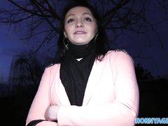Чешская брюнетка отправилась с незнакомцем в отель для домашнего секса