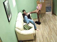 Скрытая камера сняла домашний секс блондинки в чулках и молодого хахаля