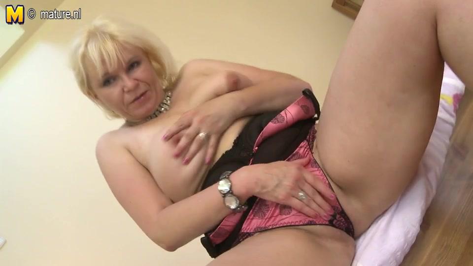 Порно блондинка зрелая красивая, порно видео троллейбусе