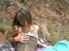 Пикапер в парке развёл на любительский анальный секс горячую незнакомку