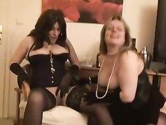 Зрелые немецкие любовницы в лесбийском видео устроили любительский фистинг