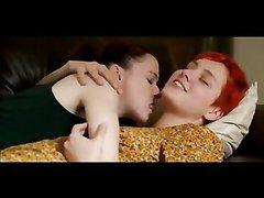 Рыжая красотка с волосатой киской в лесбийском видео ласкается с любовницей
