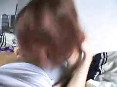 Рыжая немка в видео от первого лица чеканит любительский минет и дрочит киску