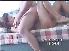 Турецкая красотка с мокрой киской заглянула к соседу для любительского секса