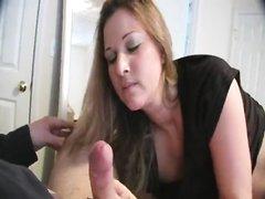 Домашний минет с сексом от зрелой дамочки перед вебкамерой в прямом эфире