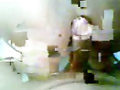 Татуированная смуглянка в любительском видео от первого лица сосёт член и прыгает сверху