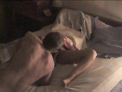 В любительском видео муж подглядывает за поклонником жены делающим куни