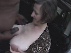 Белая леди с большими сиськами трахается в любительском видео с негром в зрелую щель