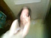Болгарская брюнетка с маленькими сиськами в в любительском видео отсасывает