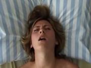 Красивая женщина в ходе жёсткого секса с любовником не перестаёт стонать