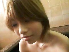 Молодая рыжая японка в азиатском видео отдаётся после домашней мастурбации