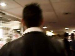 Кудрявая зрелая француженка в домашнем видео после куни трахается с молодым мачо
