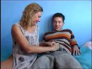 Влюблённый парень пришёл к зрелой развратнице для страстного секса с минетом
