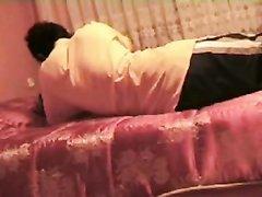 Любительский секс хардкор турецкой пары в постели перед скрытой камерой