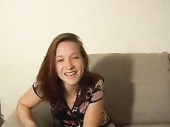 Рыжая проститутка за деньги страстно трахнулась для любительского видео