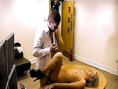 На порно кастинге британка с тату после любительского минета раздвинула ноги