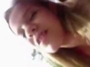 Поддавшись вожделению бразильская студентка отдалась в любительском видео