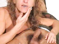 Шикарный домашний минет с окончанием в рот зрелой итальянке записан на видео