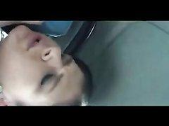 Немецкая красотка с обвисшими сиськами в любительском видео отсосала член