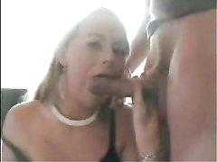 Молодая блондинка на любительском порно кастинге отсосала большой член