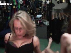Групповое немецкое видео с любительским БДСМ и женским доминированием