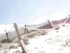 Видео от первого лица с любительским минетом от французской туристки на пляже