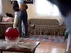 Скрытая камера в гостиной записала секс замужней дамы с озабоченным гостем