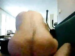 Молодой ловелас в любительском анальном видео прокачал зрелую подругу