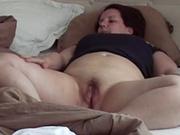 Молодой ловелас в любительском видео прокачивает зрелую даму с большой попой