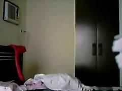 Молодой ловелас в постели радует зрелую домохозяйку необузданным сексом