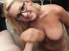 Очкастая блондинка с большими сиськами в видео от первого лица сосёт член и дрочит